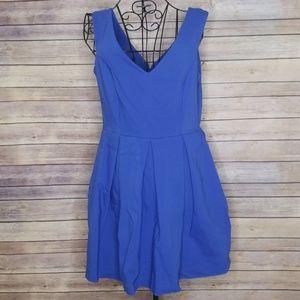 Closet. London 10 pleated dress with pockets